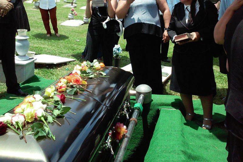 Co oferuje zakład pogrzebowy?
