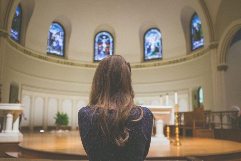 Trzebnica – do kogo zwrócić się po pomoc w zorganizowaniu pogrzebu?
